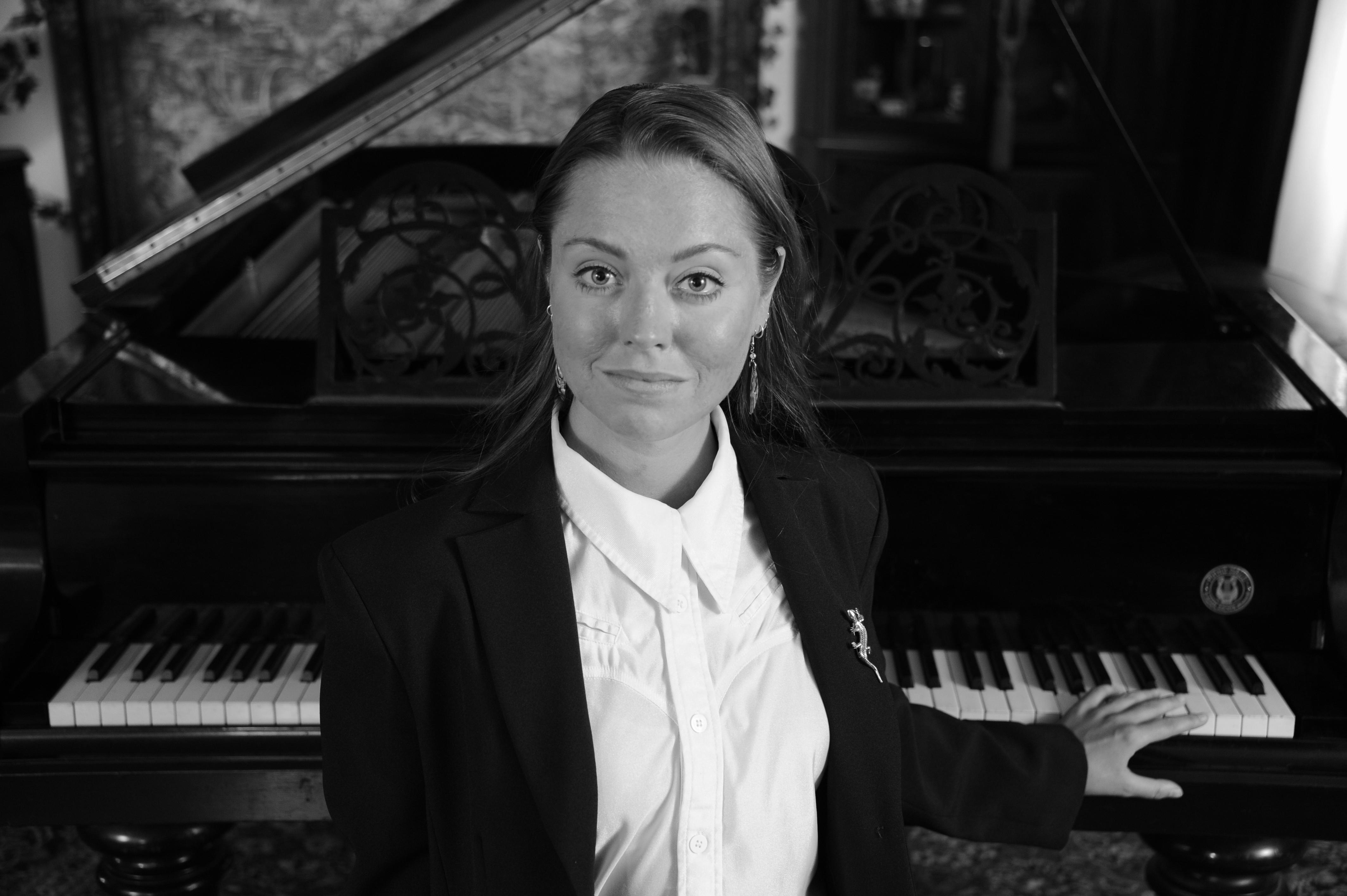 Ayleén Bárbara Gerull - Mezzosoprano SW